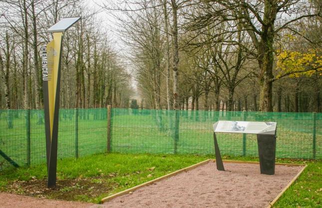 Borne d'informations sur Georges Clemenceau installée à La Réorthe, en Vendée.